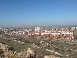 Israeli settlements tend to be tightly built communities. https://www.google.ca/search?site=imghp&tbm=isch&q=israeli+settlement&tbs=sur:fmc&gws_rd=cr&ei=Vig3WOiHG6bWjwTc0aCoCw#gws_rd=cr&imgrc=nBMZwU1msjt7jM%3A