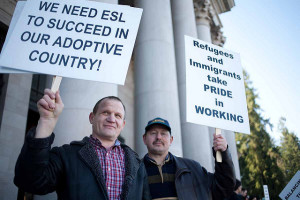 Former refugees show support for new arrivals. https://flic.kr/p/9k6GC7