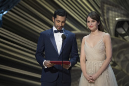 Riz Ahmed & Felicity Jones at the 89th Oscar Academy Awards Ceremony by Disney | ABC Television Group https://flic.kr/p/SqVDBE